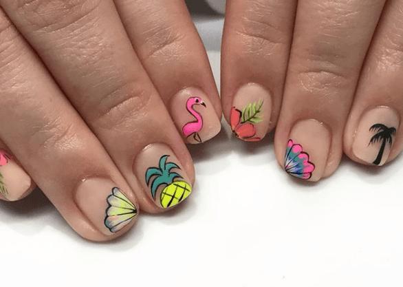 Маникюр с фламинго