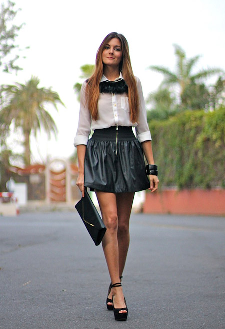 С чем носить черную кожаную юбку мини
