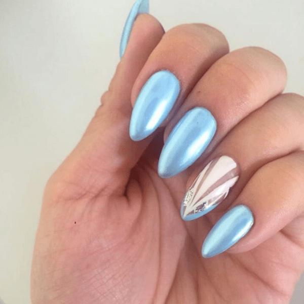 Голубой маникюр со втиркой