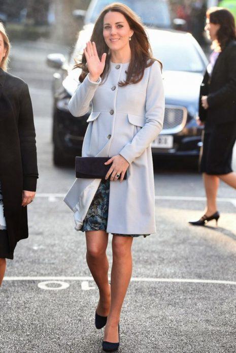 Кейт Мидлтон в пальто
