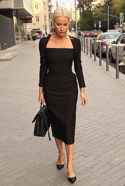 Елена Летучая в чёрном платье