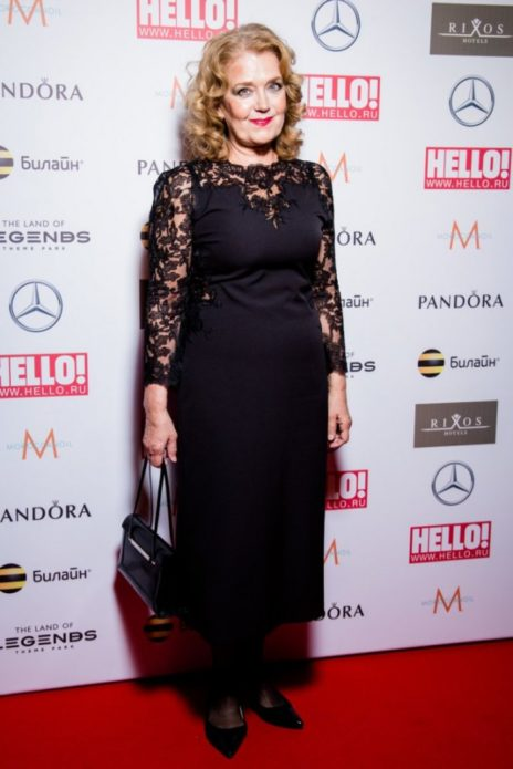Ирина Алфёрова в чёрном платье