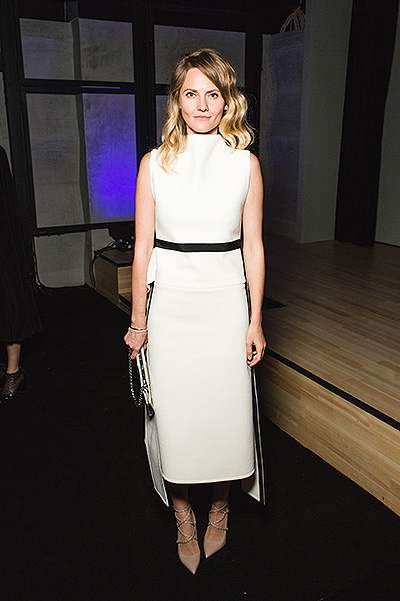 Екатерина Мухина в белом платье