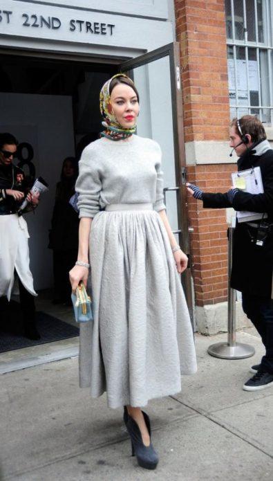Ульяна Сергиенко в шерстяном платье