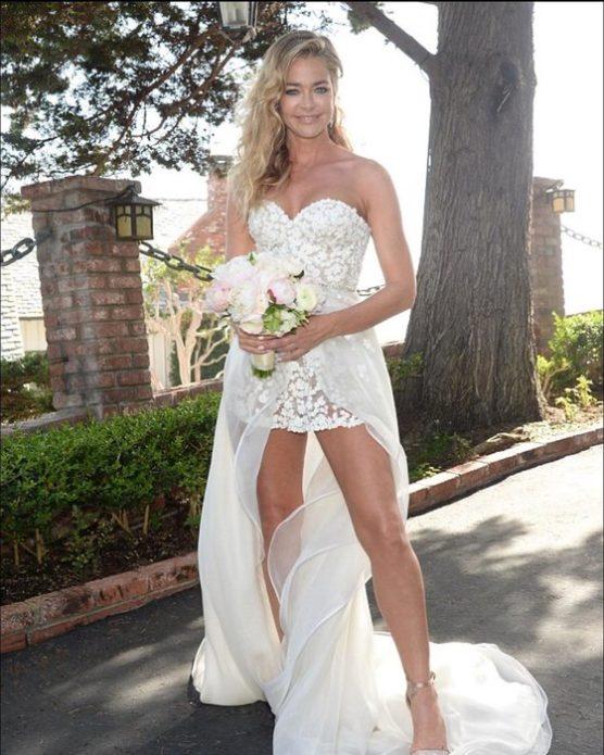 Дениз Ричардс в свадебном платье