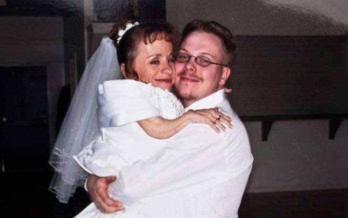 самая маленькая женщина в мире Стэйси Хэральд с мужем