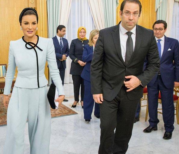 Шейха Моза в костюме от Шанель