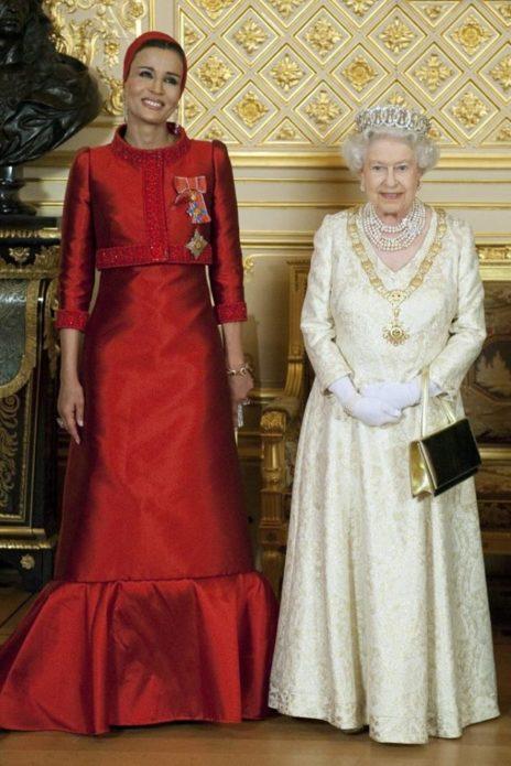 фото шейхи мозы с королевой