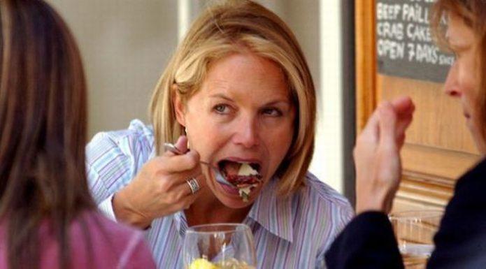 Знаменитости во время еды