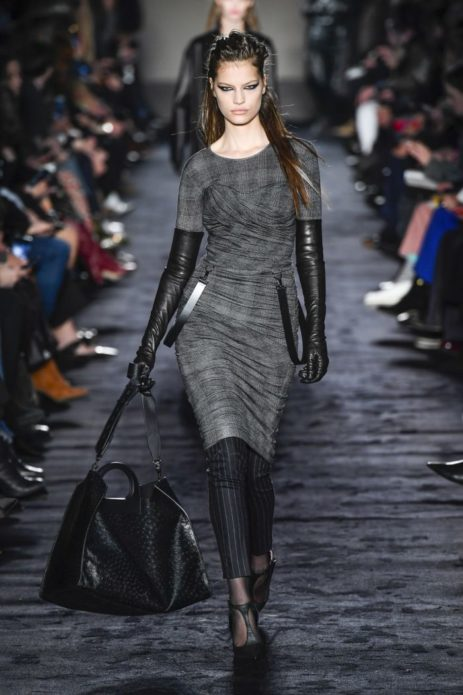 Вместительная чёрная сумка