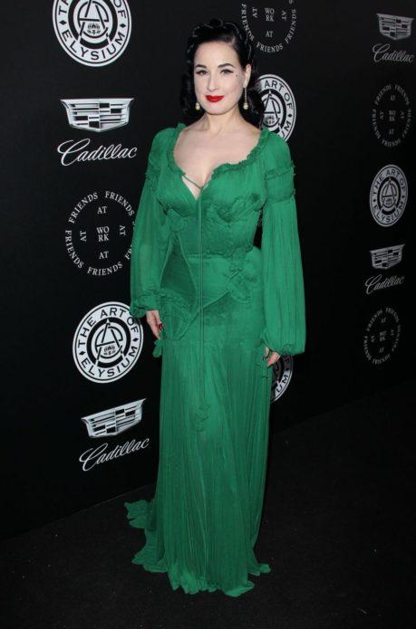 Зелёное платье Диты