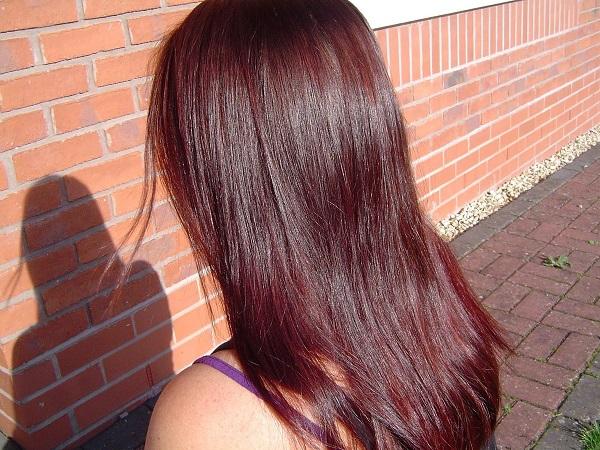 Волосы, окрашенные хной с вином