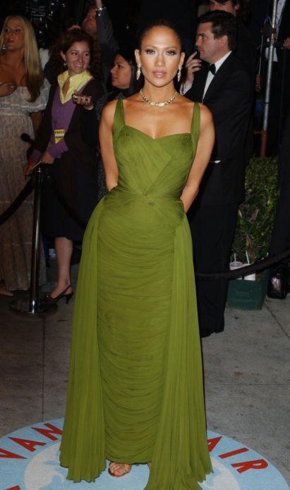 Дженнифер Лопес в зелёном платье