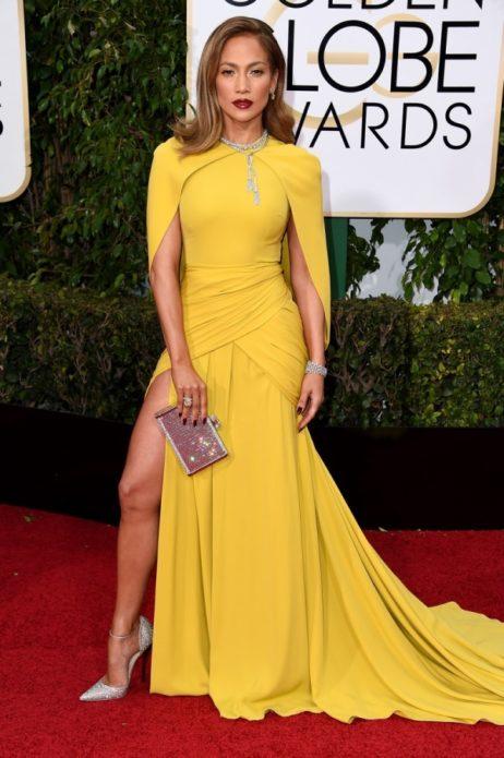 Дженнифер Лопес в жёлтом платье