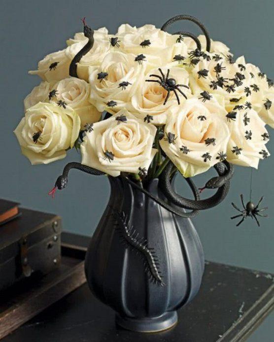 Букет с пауками