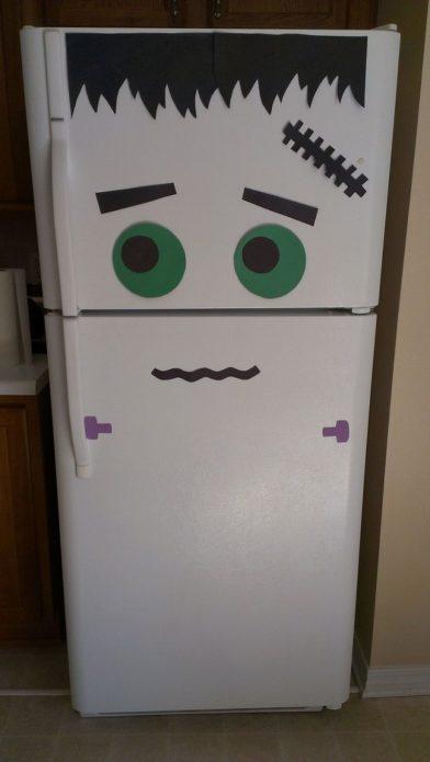 Холодильник в виде монстра Франкенштейна