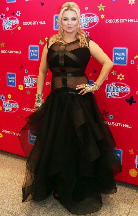 Черное кружевное платье Семнович