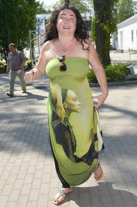 Лолита в зелёном платье