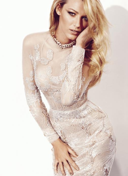 Блейк Лайвли в белом платье с вышивкой, стеклярусом и бусинами