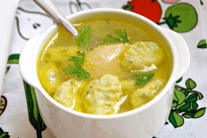Суп с чесночными клёцками
