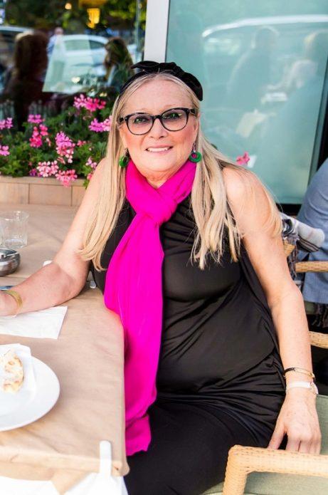 Татьяна Михалкова за столиком