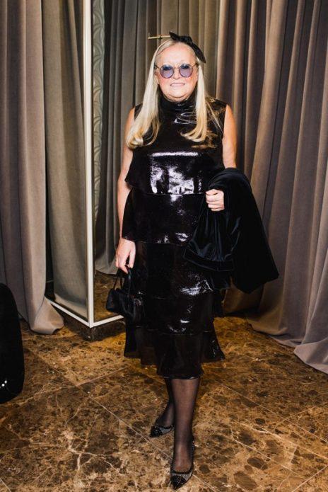 Наталья Михалкова в чёрном блестящем платье