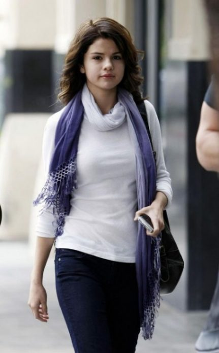 Селена Гомес без макияжа