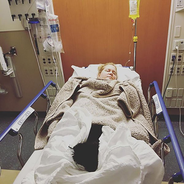 Беременную Эми Шумер госпитализировали