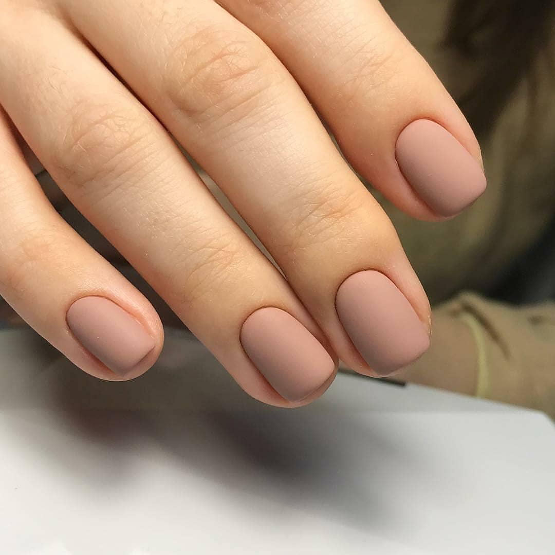 Однотонный маникюр на короткие ногти - 110 фото идей красиво