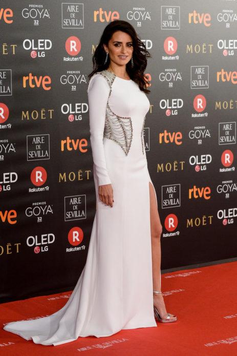 Пенелопа Крус в белом платье