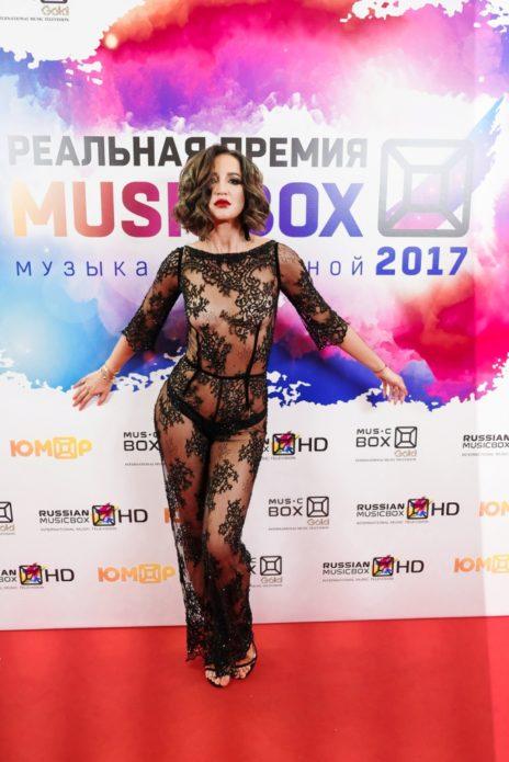 Ольга Бузова в прозрачном наряде