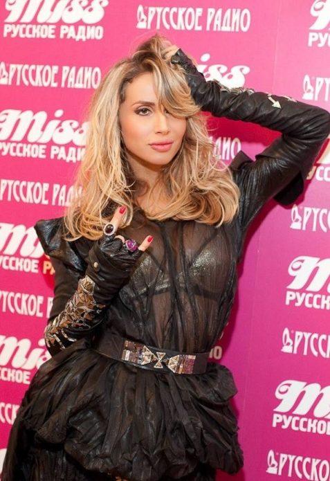 Светлана Лобода в чёрном платье