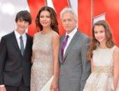 Майкл Дуглас с семьей