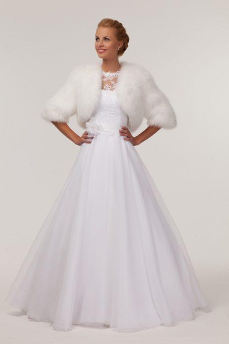 Меховое болеро и роскошное платье созданы друг для друга!