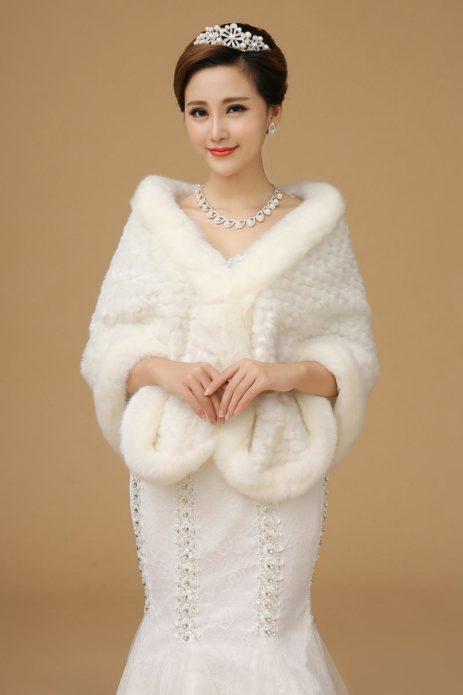 Меховой палантин — королевское украшение!