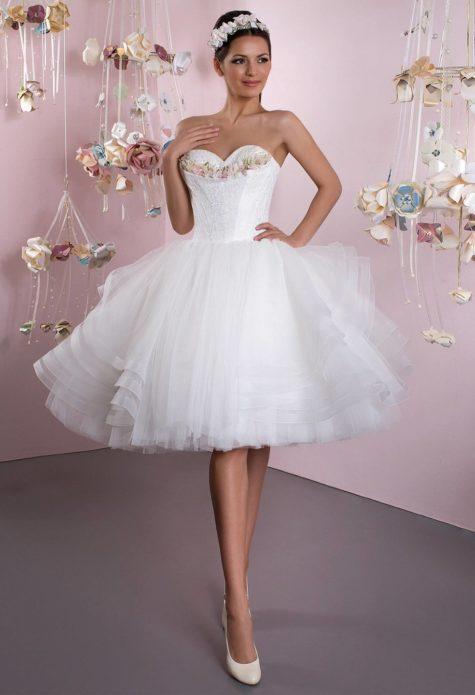 Пышное и торжественное платье