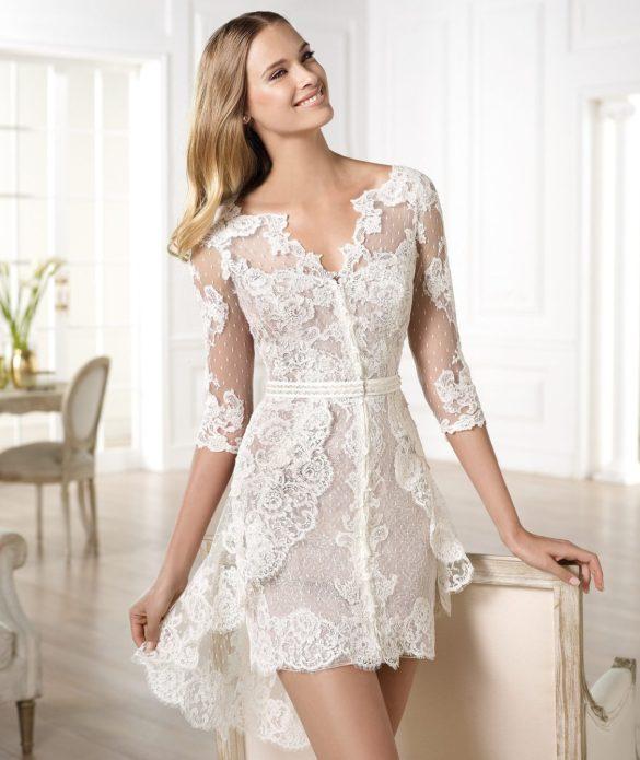 Кружевное платье — пленяет и интригует