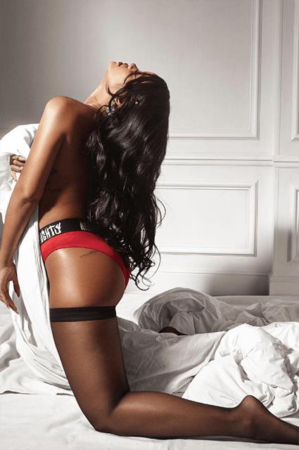 Рианна в рекламе белья