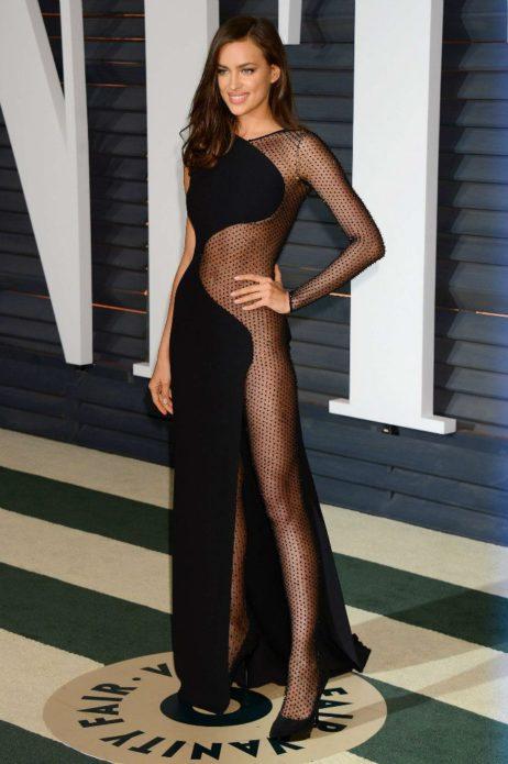 Ирина Шейк на вечеринке Vanity Fair 2015 в откровенном платье