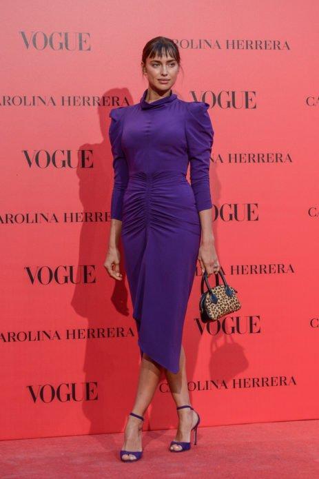 Ирина в фиолетовом платье