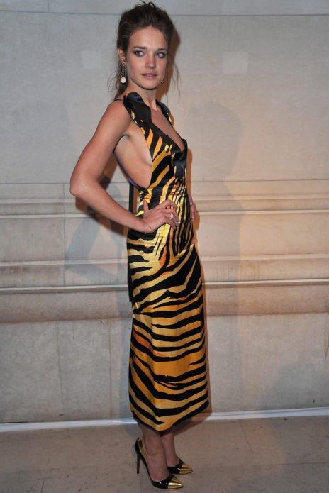 Наталья в платье с хищным принтом