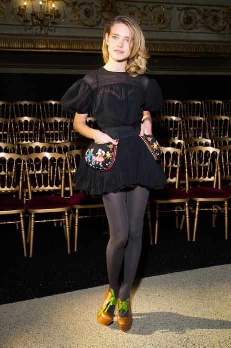 Наталья в чёрном мини-платье