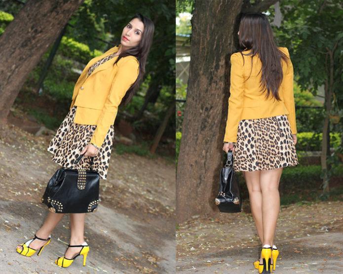 Леопардовое платье с жёлтым жакетом и туфлями