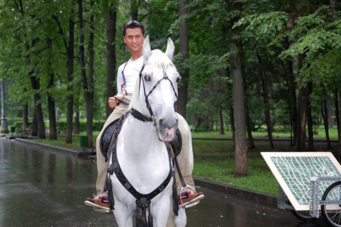 Павел на коне
