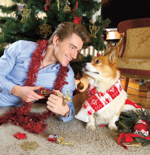 Новогоднее фото Алексея Воровьева с Элвисом