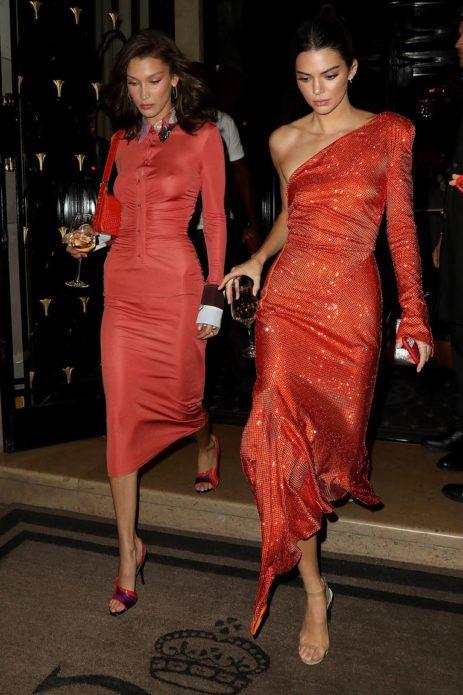 Джиджди Хадид и Кендалл Дженнер в платьях цвета коралл