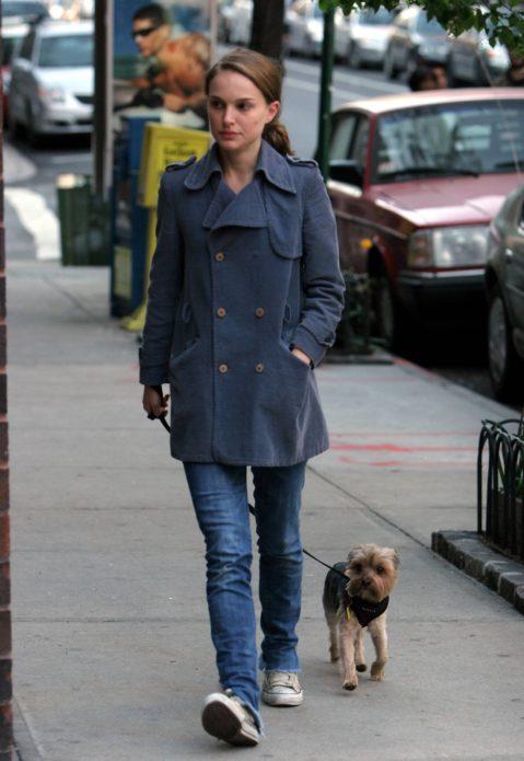 Натали и Уистл на прогулке