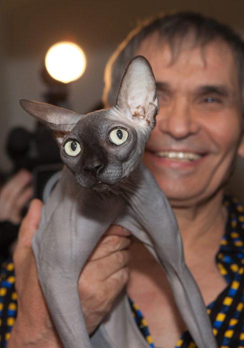Бари Алибасов с котом