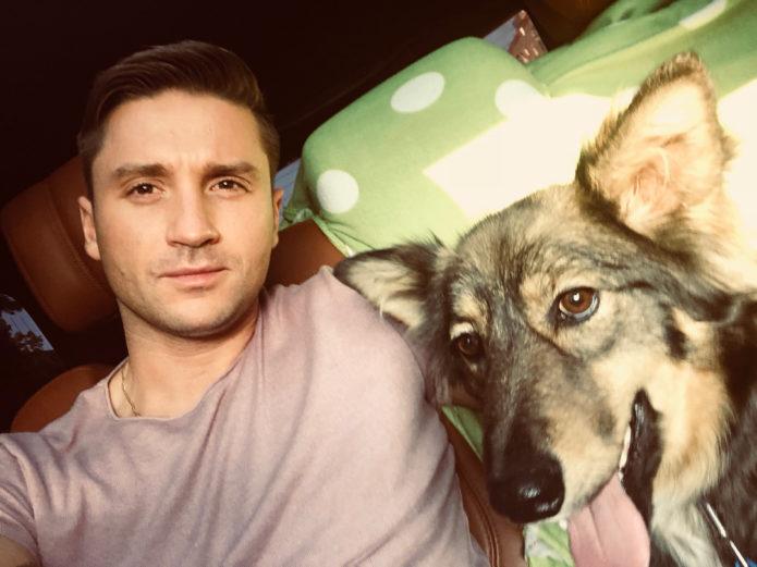 Сергей Лазарев со своей собакой Лисой