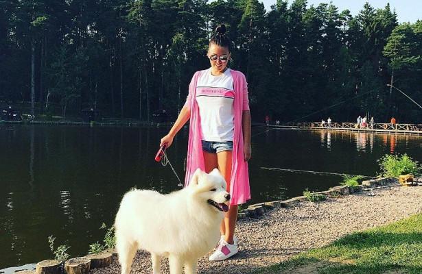 Ирина выгуливает Бусю